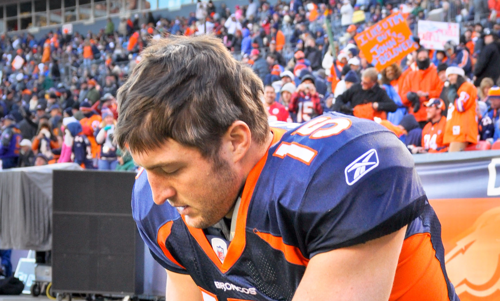 How Should We Respond to Christians like Tim Tebow?
